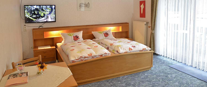 Doppelzimmer im Gästehaus Ehmer, Diedesfeld (Neustadt / Weinstraße)